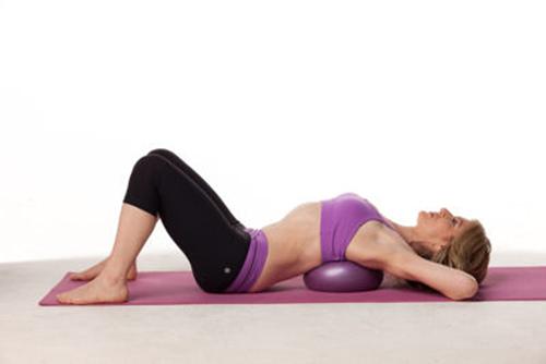 Củng cố vóc dáng với 5 động tác giảm mỡ thừa cực đơn giản3