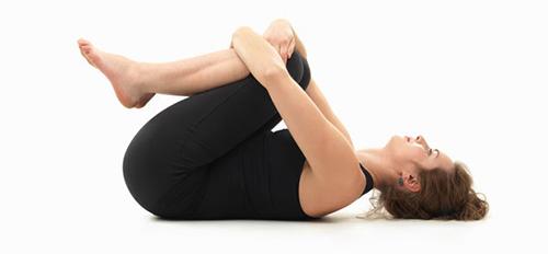 """""""Mẹo"""" giảm cân hiệu quả với 5 bài tập yoga tại nhà4"""