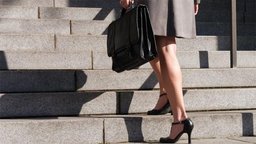 Cách làm tan mỡ đùi đơn giản có thể thực hiện tại nhà hoặc nơi làm việc