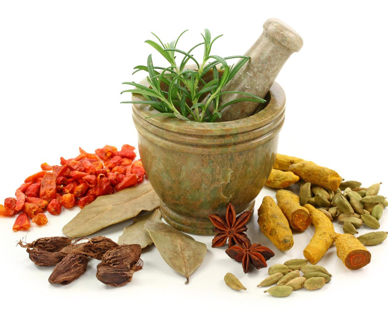 Kết hợp cùng một số thảo dược theo kinh nghiệm Đông y cổ truyền