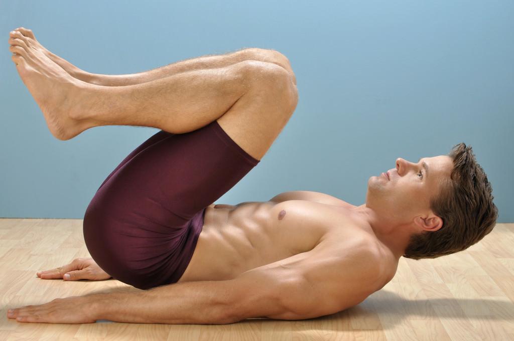 Bài tập giảm mỡ bụng cho nam giới - bài tập gập bụng ngực