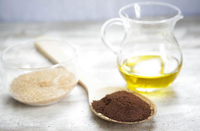 Làm tan mỡ thừa, săn chắc da với bã cà phê, dầu oliu