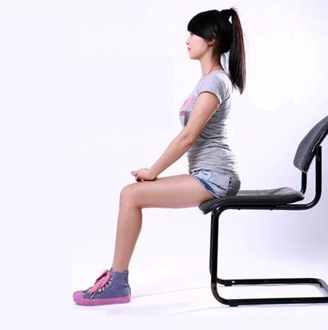 Ngồi đúng tư thế là cách giảm mỡ cằm đơn giảm mà hiệu quả