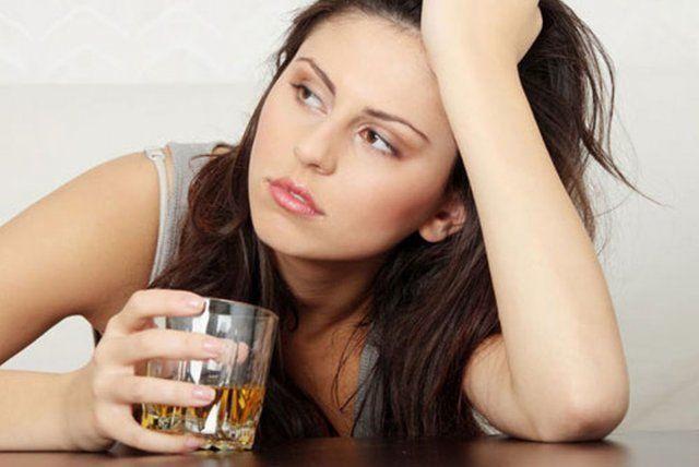 Ngủ không đúng giờ làm cơ thể mệt mỏi, tăng cân nhanh chóng